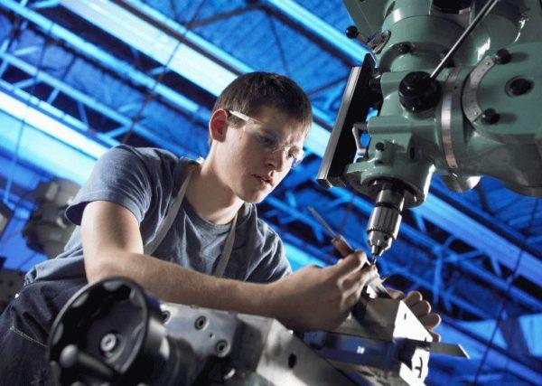 Что такое промышленный аутсорсинг и чем он полезен для бизнеса?