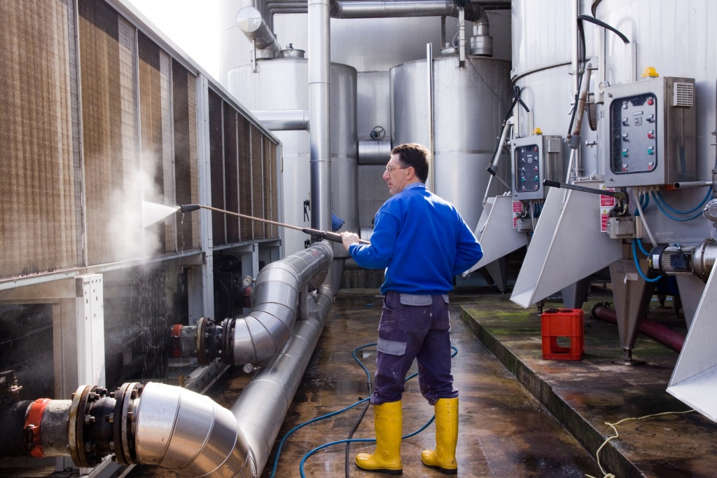Зачем нужно сервисное обслуживание систем вентиляции?